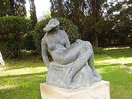 Woman by the sea, bronze, 1926